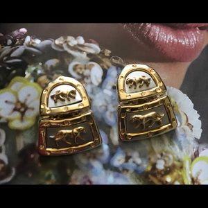 Jewelry - 🔆 FLASH!!! Vintage runway clip-on earrings